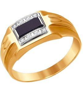 Золотое кольцо с ониксом 010952