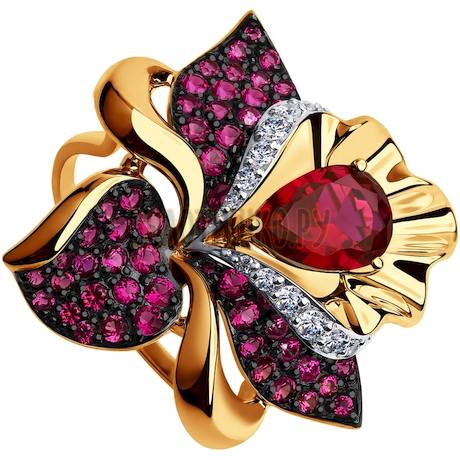 Кольцо из золота с красным корунд (синт.) и бесцветными и красными фианитами 714801