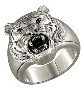 Серебряное кольцо с фианитами 95010023