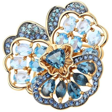 Кольцо из золота с голубыми и синими топазами и фианитами 715532