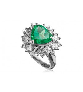 Кольцо из платины с изумрудом и бриллиантами